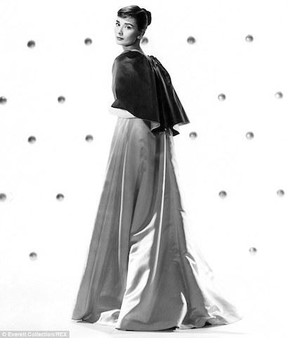 Hepburn en una foto en 1957
