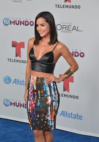 La actriz Carmen Villalobos posa a su llegada para la entrega de los Premios Tu Mundo. EFE/Gaston de Cardenas