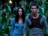 Dylan O'Brien y su coestrella Kaya Scodelario en una escena de The Maze Runner.