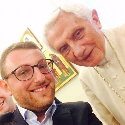 benedicto selfie1