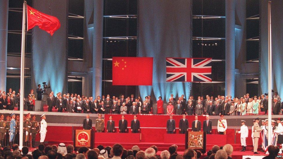 La ex colonia británica ha visto muchos altibajos desde que se la devolvió el 1 de julio de 1997 a los chinos