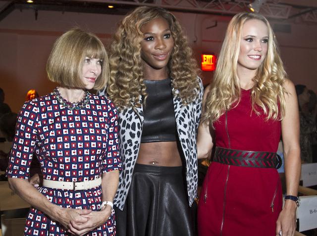 Anna Wintour, Serena Williams y Caroline Wozniacki. (AP Photo/Bebeto Matthews) ORG XMIT: NYBM201