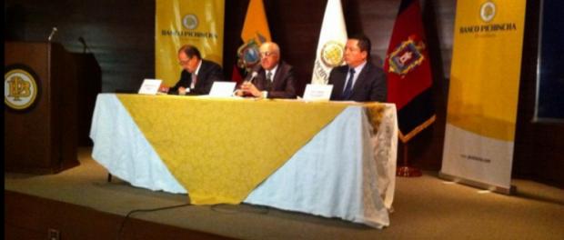 Banco pichincha califica de brutal asalto a blindados y for Oficinas banco pichincha