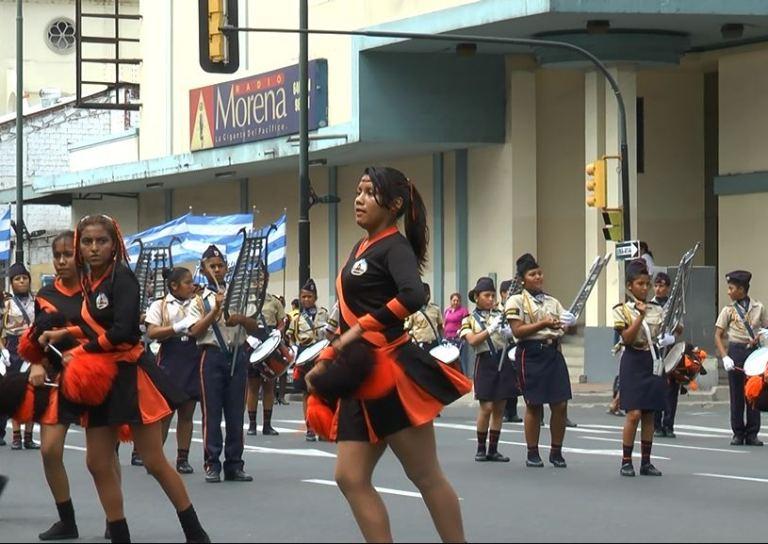 Desfile 9 de Octubre