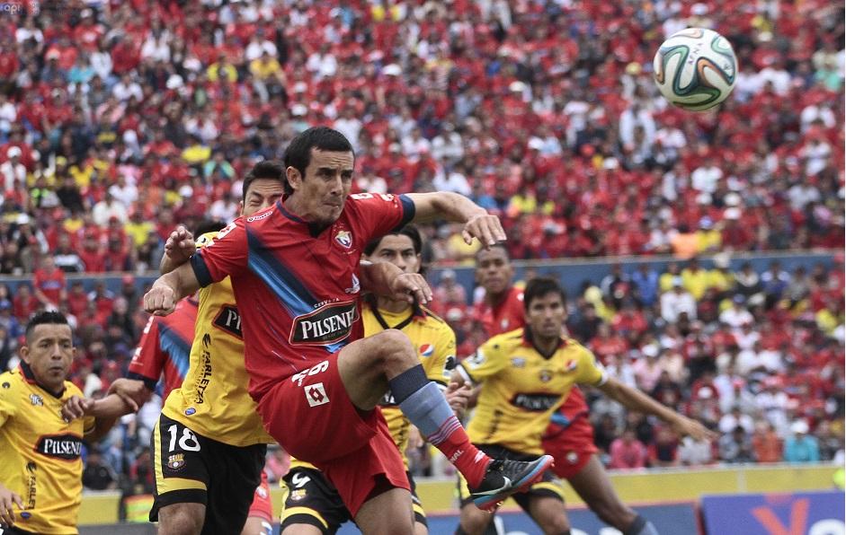 QUITO 19 DE OCTUBRE DEL 2014. Nacional vs Barcelona, Barcelona celebra el gol de Ismael Blanco. FOTOS API / JUAN CEVALLOS.