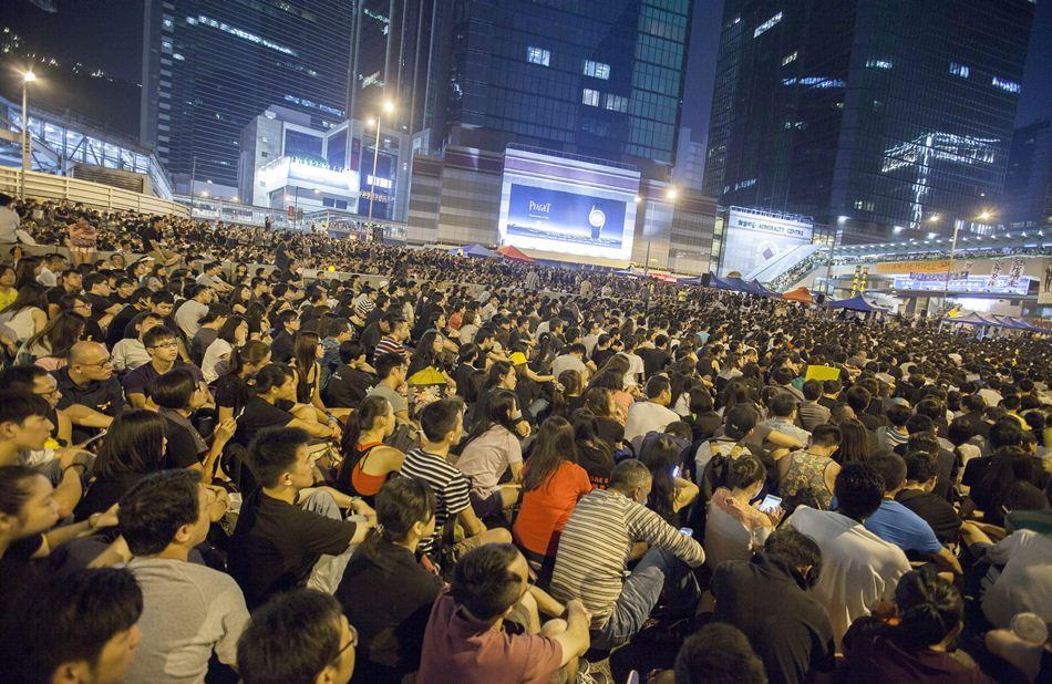 Estudiantes pro democracia en Hong Kong, el 4 de octubre de 2014. EFE/EPA/ALEX HOFFORD