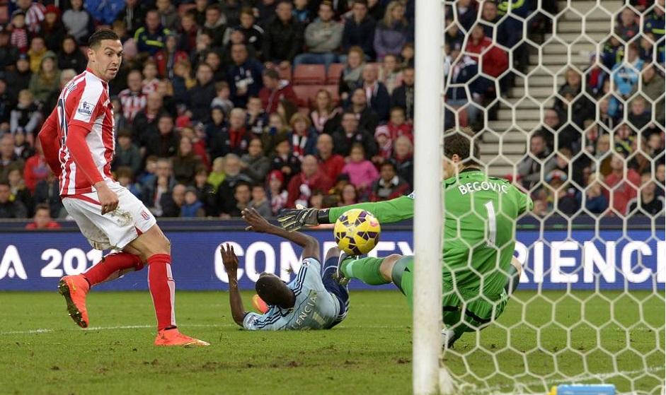 Gol Enner Valencia vs Stoke City