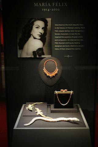 Joyas de la casa Cartier que pertenecieron a la actriz mexicana María Félix. (Foto AP/David Zalubowski)