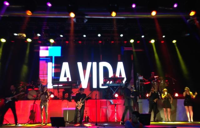 """Ricardo Montaner interpretando """"Vivir la vida"""". Foto: Gabriela Icaza/LaRepública"""