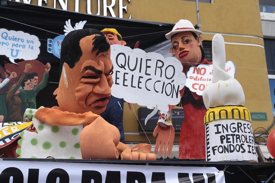 Festival de años viejos en Quito, el 31 de diciembre de 2014. API