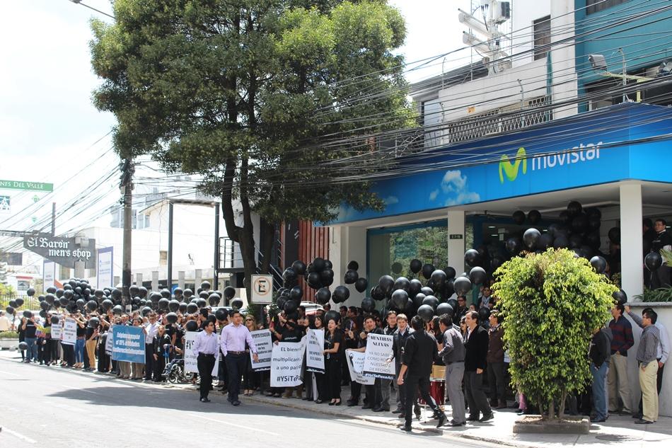 Plantón de los trabajadores de Movistar.