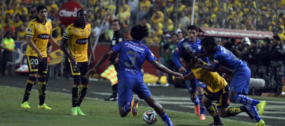 Guayaquil 17 de Diciembre del 2014. Final del Campeonato, entre Barcelona y Emelec. Fotos: Paul Ochoa / API