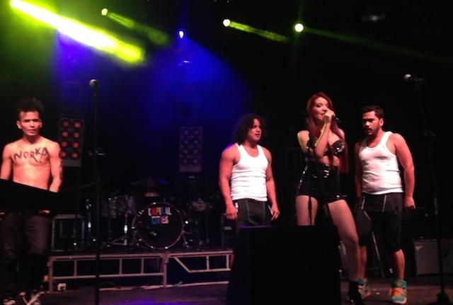 La cantante Norka con sus bailarines. Foto: Gabriela Icaza/LaRepública