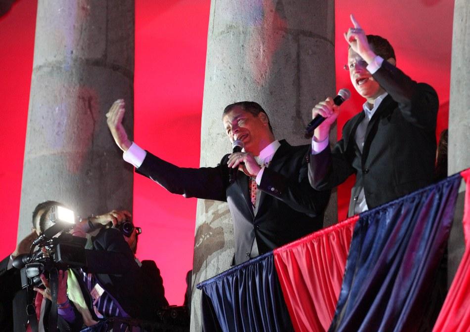 El alcalde de Quito, Mauricio Rodas, y el Presidente Rafael Correa, en el balcón de Carondelet, el 4 de diciembre de 2014. Foto: Eduardo Santillán / Presidencia de la República