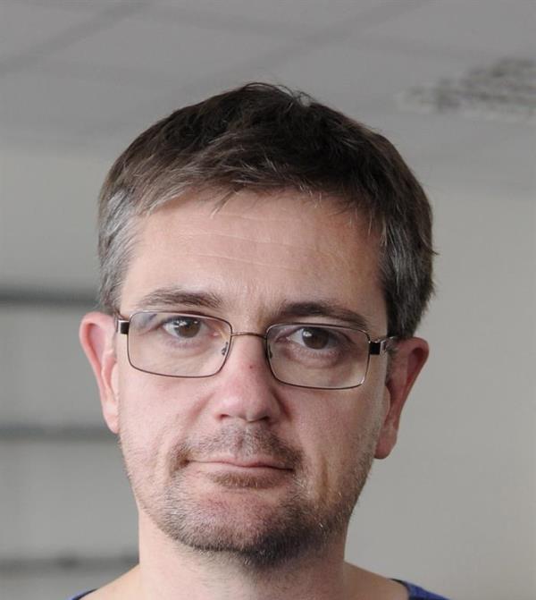 """PARÍS (FRANCIA) 07/01/2015.- Fotografía de archivo fechada el 19 de septiembre de 2012 que muestra al director del periódico satírico francés """"Charlie Hebdo"""", Charb. Según medios locales, Charb se encuentra entre las doce víctimas del atentado perpetrado contra la sede del seminario satírico """"Charlie Hebdo"""" hoy, miércoles 7 de enero de 2015.EFE/Yoan Valat"""