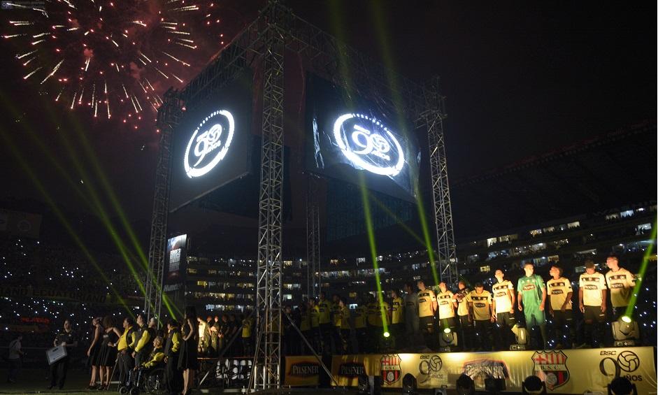 Guayaquil 28 de Enero del 2015. Barcelona, hizo la presentación de su plantel en la denominada Noche Amarilla. Fotos: Marcos Pin / API.