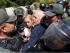 El expresidente de Colombia, Andrés Pastrana, junto a Lilian Tintori, cuando no pudo ingresar a la cárcel en la que está preso el opositor venezolano Leopoldo López.
