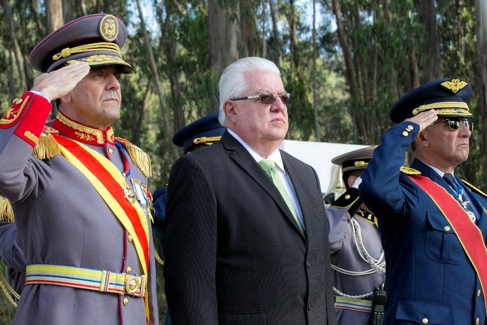 Ministerios de seguridad interior y defensa de ecuador se for Nombre del ministro de interior