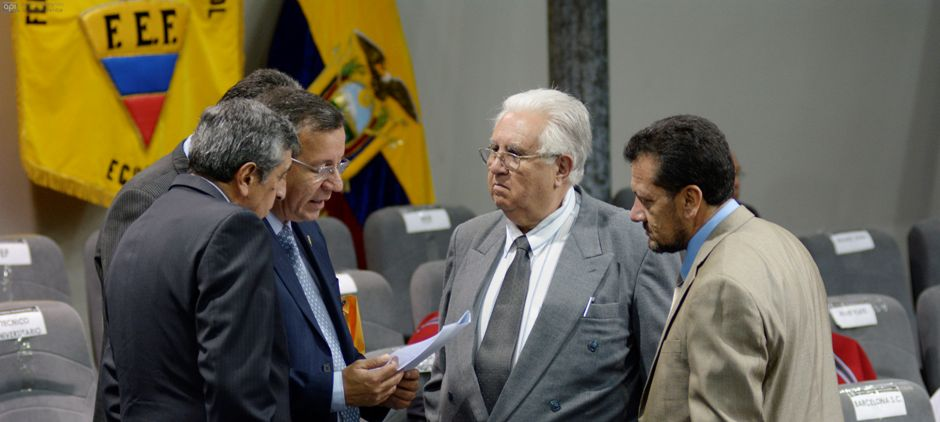 Guayaquil 9 de Enero 2015. Posible suspensión del congreso extraordinario de la FEF. Ambiente previo a las elecciones para Presidente de la Federación Ecuatoriana de Fútbol. Fotos: Marcos Pin / API