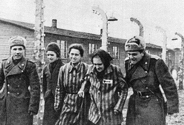 Soldados soviéticos en Auswi