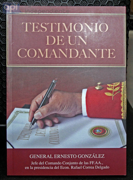 """QUITO 15 DE ENERO DEL 2015. Lanzamiento del libro del General Ernesto  Gonzales titulado """"Testimonios de un Comandante"""" .  FOTOS API / JUAN CEVALLOS."""