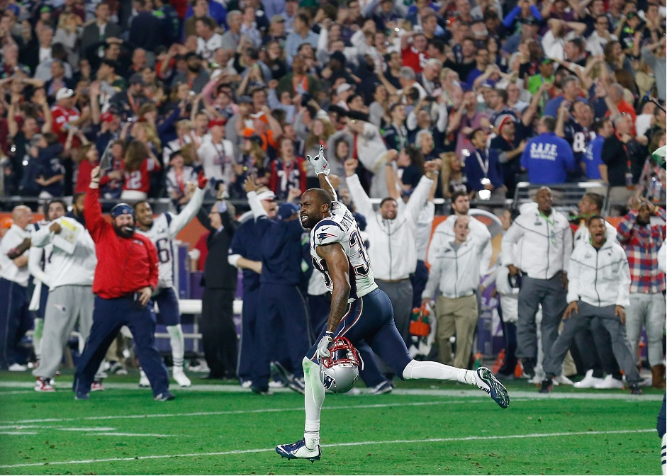 New England Patriots cornerback Brandon Browner celebrates on the field after New England Patriots made an interception in the final seconds of Super Bowl XLIX between the New England Patriots and the Seattle Seahawks at the University of Phoenix Stadium in Glendale, Arizona, USA 01 February 2015. (Estados Unidos, Fénix) EFE/EPA/TANNEN MAURY.
