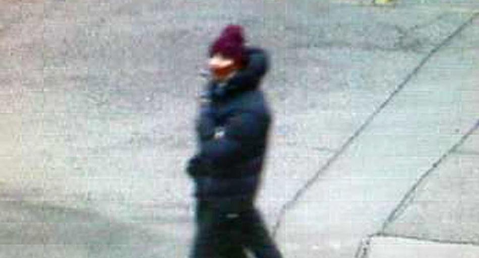 Foto del presunto individuo que disparó contra una cafetería en la que se efectuaba un acto por la libertad de expresión en Copenhague, Dinamarca, el sábado 14 de febrero de 2015. Una persona murió y cuando menos tres policías resultaron heridos en el ataque, al que las autoridades describieron como una acción terrorista. (AP Foto/Policía de Copenhague)