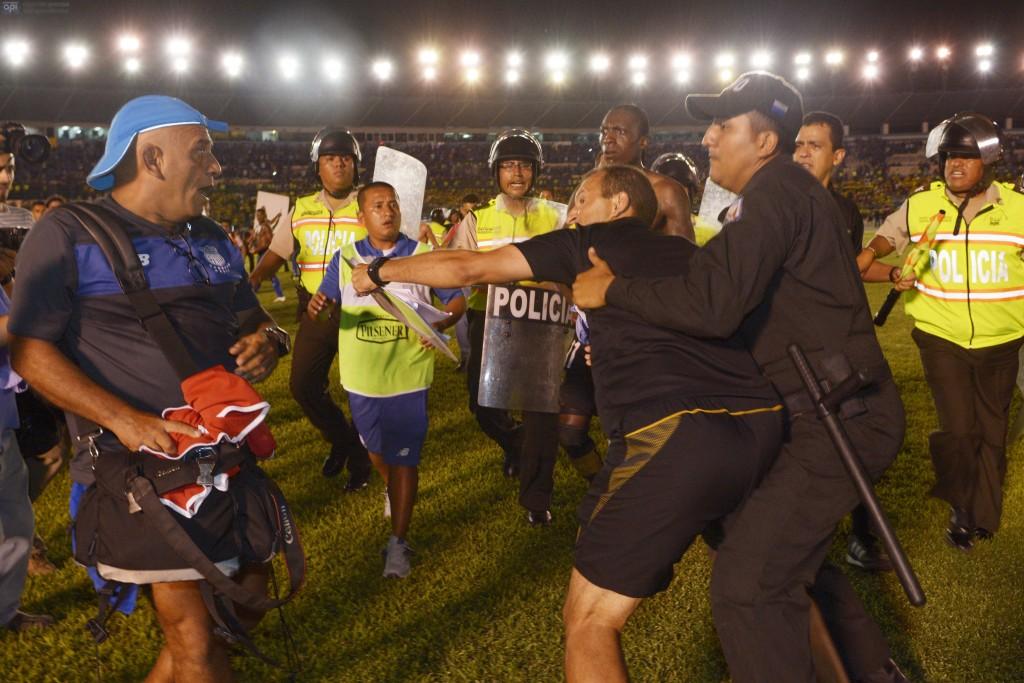 Guayaquil 8 de Marzo 2015. Emelec vs Barcelona. Fotos: Marcos Pin / API