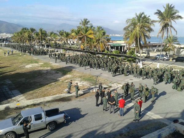 Ejercicio militar en Puerto Cabello, el 3 de marzo de 2015. Foto de @ArmadaOficial