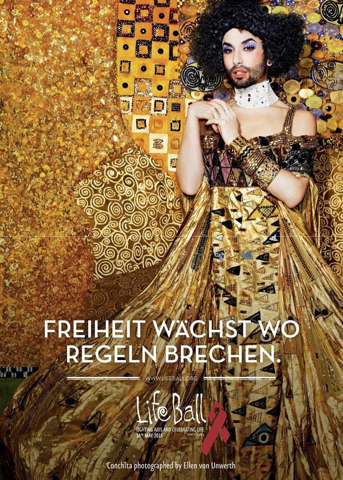 """Fotografía facilitada por Life Ball de la cantante austríaca Conchita Wurst, ganadora de Eurovisión 2014, que vestida de oro se ha convertido en la """"cara"""" de la edición 2015 de la gala benéfica, una de las más importantes del mundo en la lucha contra el sida. EFE/Ellen von Unwerth"""