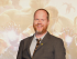 """SEÚL (COREA DEL SUR) 17/04/2015.- El director y guionista estadounidense Joss Whedon posa durantee la presentación de la cinta """"The Avengers: Age of Ultron 2015"""" en un hotel de Seúl (Corea del Sur) hoy, viernes 17 de abril de 2015. La cinta llega a las pantallas surcoreanas el 23 de abril. EFE/Kim Hee-Chul"""