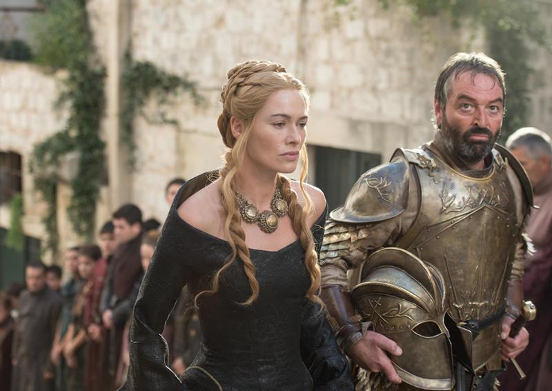 Cersei Lannister y Meryn Trant. Foto: melty.mx