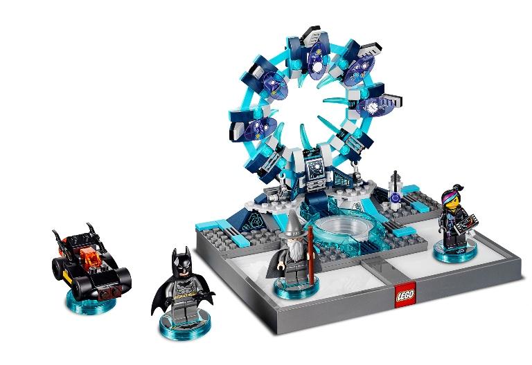 """Esta imagen cedida por Warner Bros. Interactive Entertainment muestra el pad interactivo de LEGO para el videojuego """"LEGO Dimensions"""". Warner Bros. Interactive Entertainment y TT Games revelaron el jueves 9 de abril de 2015 sus planes para sacar al mercado """"Lego Dimensions,"""" un juego y línea de juguetes que combina bloques de Lego y figuras con mundos virtuales que se presentan en una pantalla, similar a las populares franquicias """"Skylanders"""", """"Disney Infinity"""" y """"ambiio"""" de Activision-Blizzard Inc., Walt Disney Co. y Nintendo Co. (Foto AP/Warner Bros. Interactive Entertainment)"""