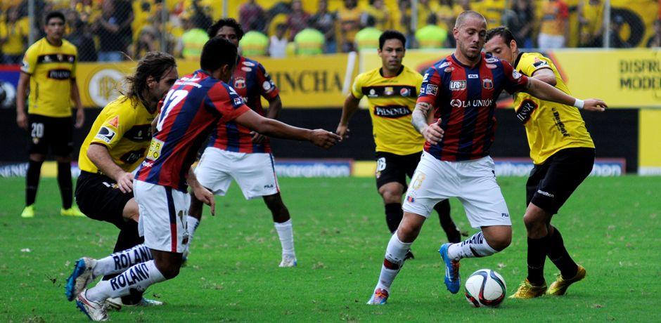 Guayaquil 5 de Abril del 2015. Barcelona vs Deportivo Quito. Fotos: Marcos Pin / API