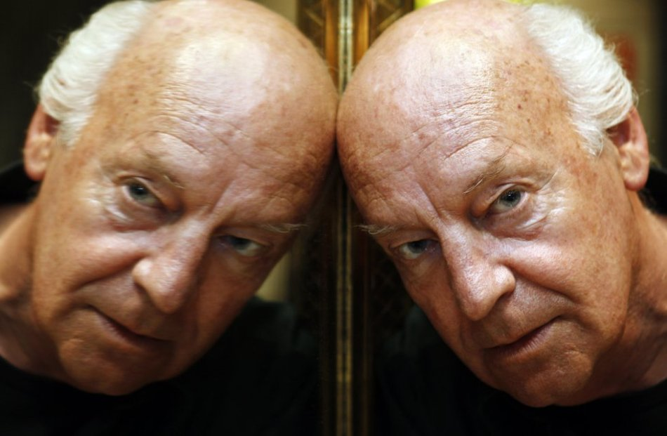 El escritor uruguayo Eduardo Galeano, fotografiado por Bernardo Pérez en septiembre de 2008 para el diario español El País.