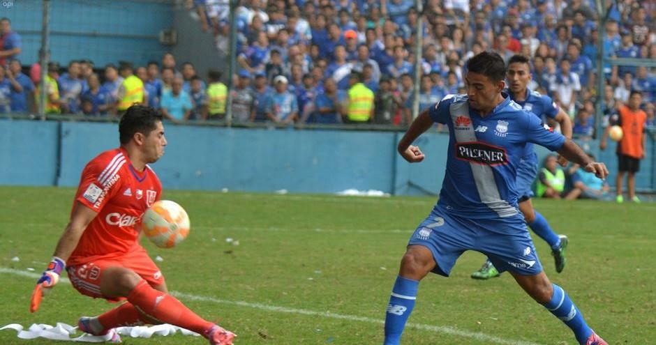 GUAYAQUIL, 22 DE ABRIL DEL 2015. En el estadio Capwell, Emelec recibe a U. de Chie, por el Grupo 4 de la Copa Libertadores. API FOTO / ARIEL OCHOA