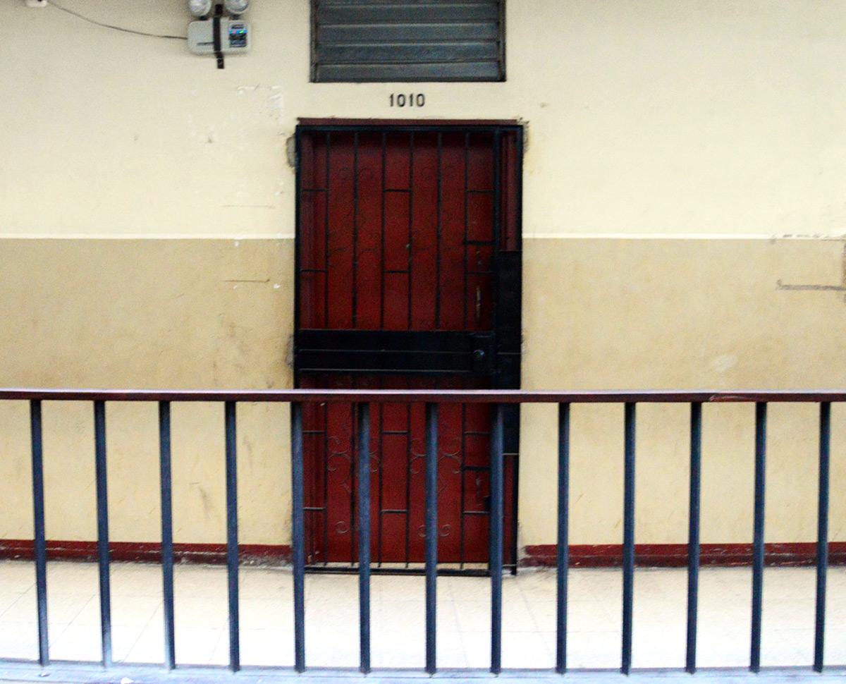 Oficina del abogado Félix Montiel, en el edif. Gran Pasaje, en el centro de Guayaquil. Ahí tenían su sede las firmas Juecrey, Neheminvest y Oseasdany, que recibieron $ 12,45 millones del sistema Sucre. Foto difundida por El Universo.
