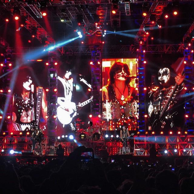 Foto del concierto de Kiss, en Bogotá, el 11 de abril de 2015, subida a Flickr por Xpectro.