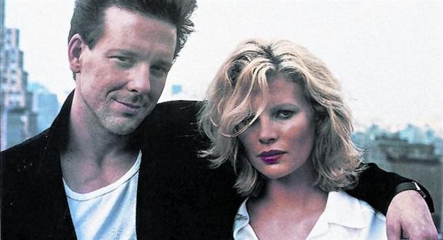 """Kim Basinger y Mickey Rourke, cuando interpretaron el filme """"Nueve Semanas y media"""", en 1986."""