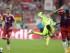 El jugador del Bayern Jerome Boateng (d) en acción ante Neymar (2-d), del Barcelona, hoy, martes 12 de mayo de 2015, durante el segundo partido de una de las semifinales de la Liga de Campeones de la UEFA, entre Barcelona y Bayern, en el estadio Allianz Arena de Múnich (Alemania). EFE/Andreas Gebert.