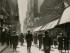 """NUEVA YORK (NY, EE.UU.), 14/05/2015.- Fotografía cedida hoy, jueves 14 de mayo de 2015, del fotógrafo argentino Horacio Coppola titulada """"Calle Florida"""" (1936), una de las obras que aparecen en el Museo de Arte Moderno de Nueva York (MoMA), en la exposición """"De la Bauhaus a Buenos Aires"""", donde se persigue a Coppola y a su esposa, la alemana Grete Stern. Dos autores a través de tres continentes, escarbando durante tres años en archivos y en colecciones privadas y públicas, para reivindicar a unos fotógrafos que """"si hubiesen estado en París en vez de en Buenos Aires, serían mundialmente conocidos"""", según la comisaria de la exposición, Sarah Meister. EFE/MoMA/SOLO USO EDITORIAL/NO VENTAS"""