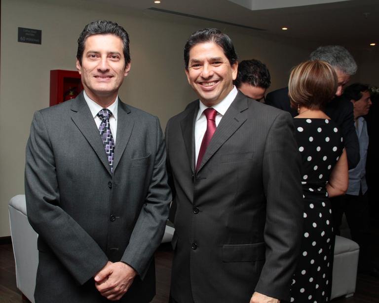 Drs. Galo Chacón y Carlos Chiriboga.