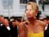 Charlize Theron posa para un retrato al llegar a la función de Mad Max: Fury Road en la 68a edición del Festival de Cine de Cannes, en Francia, el domingo 17 de mayo de 2015. (Foto AP/Lionel Cironneau)