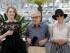 """Emma Stone, Woody Allen y Parker Posey posan para los fotógrafos con motivo del estreno de """"Irrational Man"""" en el Festival de Cine de Cannes, el viernes 15 de mayo del 2015. (Foto por Joel Ryan/Invision/AP)"""