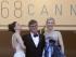 De izquierda a derecha Rooney Mara, el director Todd Haynes y la actriz Cate Blanchett posan para un retrato a su llegada a la función de Carol en la 68a edición del Festival de Cine de Cannes, en Francia el domingo 17 de mayo de 2015. (Foto AP/Thibault Camus)