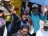 Profesores en huelga lanzan consignas contra un acuerdo preliminar de sus dirigentes con el gobierno cuando marchan en Bogotá, Colombia, el miércoles 6 de mayo de 2015. (AP Photo/Fernando Vergara)