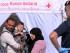 Una familia de inmigrantes espera afuera de una carpa de la Cruz Roja después de llegar al fuerte de Augusta, Sicilia, en el sur de Italia, el 9 de mayo de 2015. La Unión Europea hizo un llamado el 13 de mayo de 2015 para que los países miembros sean solidarios con las naciones que enfrentan una ola migratoria sin precedentes. (Foto AP/Francesco Malavolta)