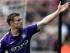 James Milner, del Manchester City, festeja el segundo gol de su equipo en el duelo de la liga Premier ante el Swansea City en el Estadio Liberty de Swansea, Gales, el domingo 17 de mayo de 2015. (David Davies/PA via AP)