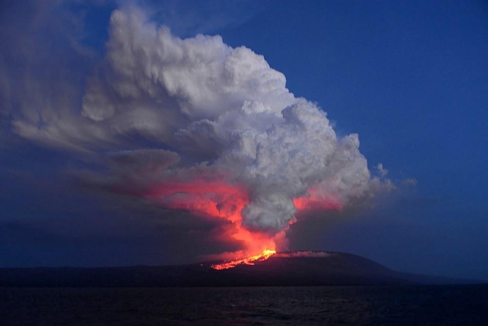 Volcán Wolf, en la Isla Isabela, el 25 de mayo de 2015. Dirección del Parque Nacional Galápagos.