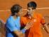 Foto de archivo. El tenista serbio Novak Djokovic (d) abraza al español Rafael Nadal (i) tras vencerle en el partido de cuartos de final de Roland Garros que se disputa en París, Francia, el 3 de junio del 2015. EFE/Robert Ghement.